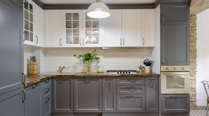 Your Guide To Painting Oak Kitchen Cabinets; Tips From A Wheaton Kitchen Cabinet Painting Company